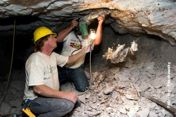 Der Opal-Abbau ist ein Knochenjob, außerdem spielt Glück eine große Rolle. Foto: Ingo Paszkowsky