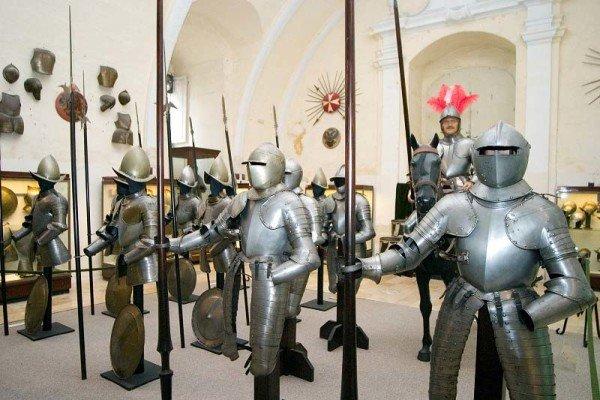 Heute nicht mehr zum Fürchten, Rüstungen ohne Ritter im The Palace Armoury / Foto: Ingo Paszkowsky