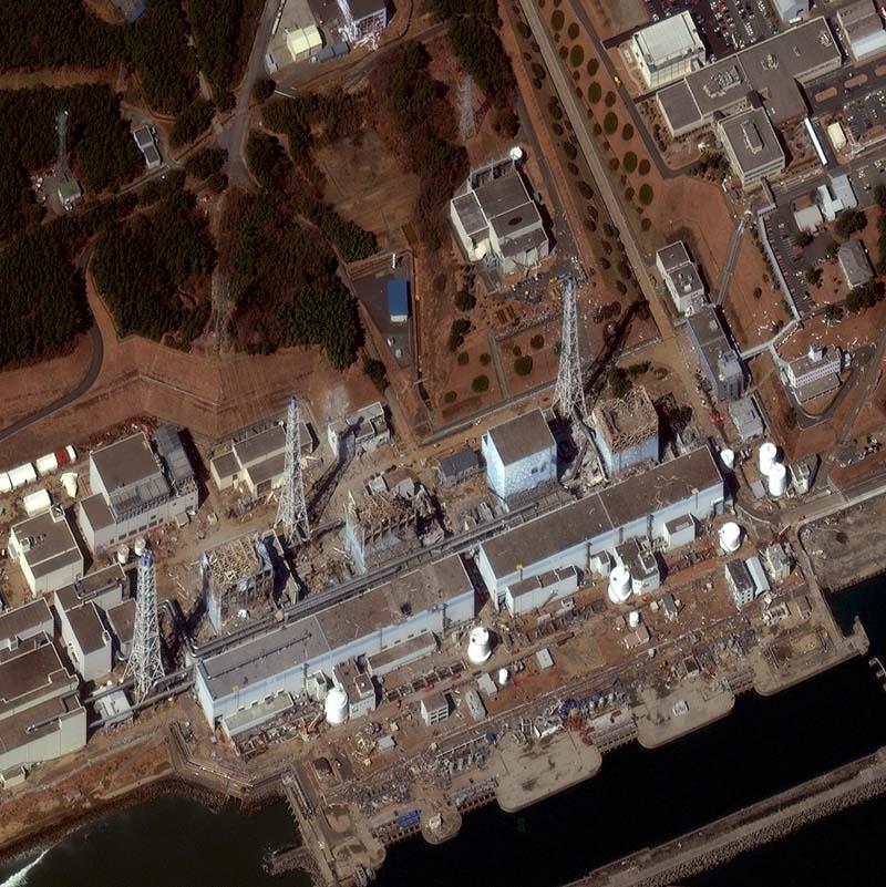 Diese Fotos gingen um die Welt. Ein Erdbeben und der folgende Tsunami zerstörten das Kernkraftwerk Fukushima Daiichi. Die Aufnahme ist vom 18. März 2011. Foto: DigitalGlobe