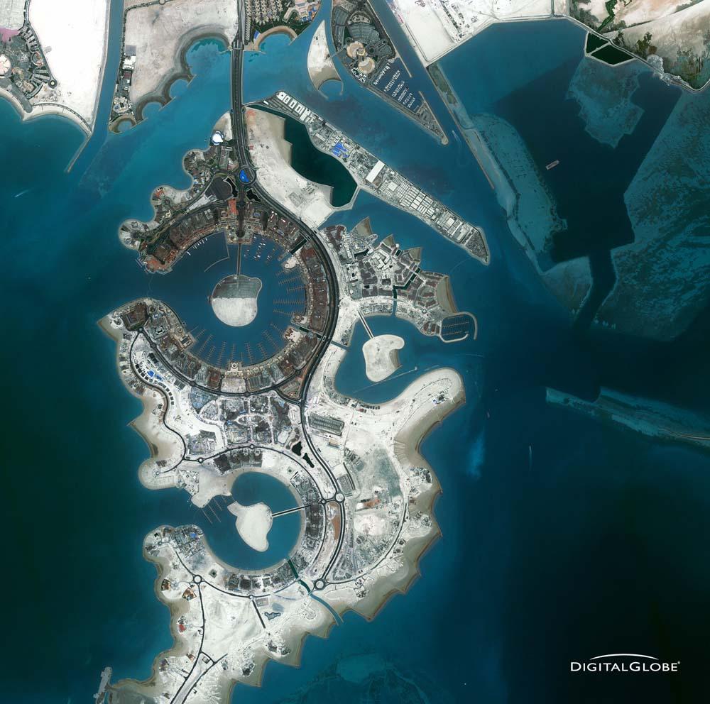 The Pearl ist eine 400 Hektar große künstliche Insel rund 300 Meter vor der Ostküste im Emirat Katar. Die Aufnahme ist vom 23. Juli 2010. Foto: DigitalGlobe