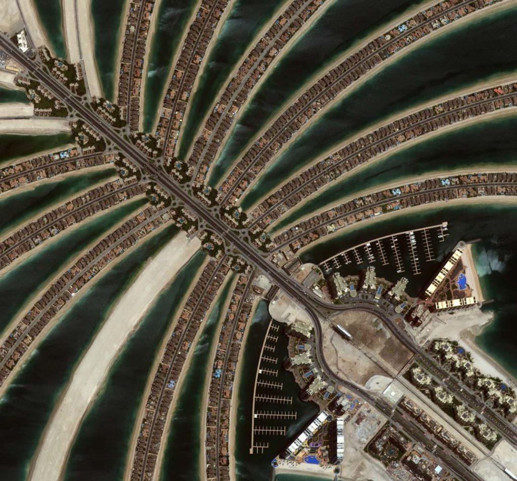 Palm Island, Dubai, Vereinigte Arabische Emirate am 20. Juni 2011. Die Palmenstruktur des künstlichen Eilands ist gut zu erkennen. Foto: DigitalGlobe