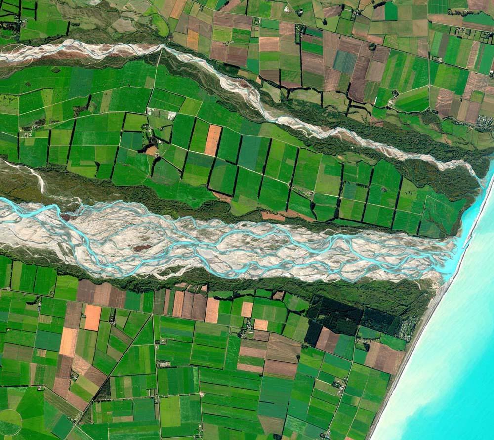 Das Siegerfoto - der Rakai River am 28. März 2011. Foto: DigitalGlobe