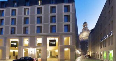 """Das zwei Jahre junge Innside Dresden nahe der Frauenkirche ist das beliebteste Hotel Deutschlands bei Paaren. Basis für die Auszeichnung mit dem HolidayCheck Award 2012 in der Kategorie """"Beliebt bei Paaren"""", die eine von sieben Kategorien darstellt, sind die Gästebewertungen auf dem unabhängigen Bewertungsportal und eine Weiterempfehlungsrate von mindestens 90 Prozent. Foto: Meliá Hotels"""