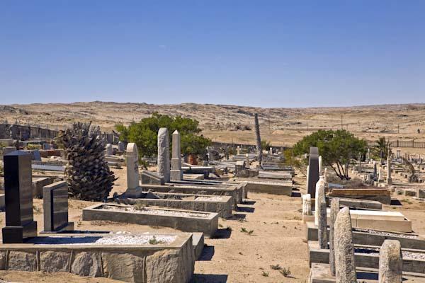 Der Friedhof von Lüderitz vor den Toren der Stadt. Foto: Ingo Paszkowsky