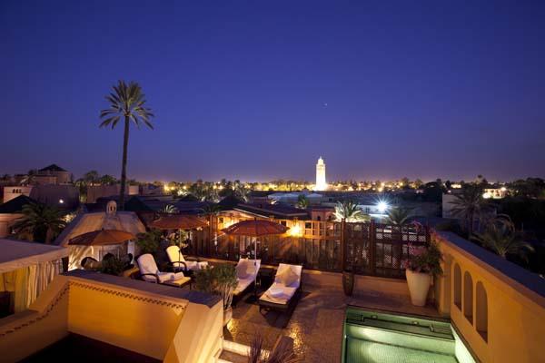 Nächtlicher Blick über Marrakesch. Foto: Tischler Reisen