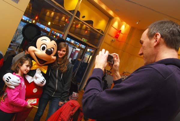 ...viele Fotos schießen... Foto: Disney