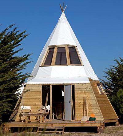 Original Camping in Frankreich: Tipi in Luxus-Ausführung ...