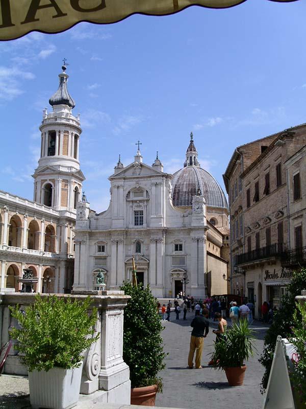Nach dem Petersdom in Rom ist Loreto der zweitwichtigste Wallfahrtsort in Italien und einer der wichtigsten der katholischen Welt. Foto: Spezialreisen Ulla Kastner