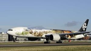 Air New Zealand, die offizielle Airline für Mittelerde, enthüllte Freitagabend in Auckland, Neuseeland eine Boeing 777-300 im Hobbit-Design. Dieses Flugzeug landete am 24. November zum ersten Mal in Europa, am Flughafen London Heathrow. Foto: David Dyson / Air New Zealand