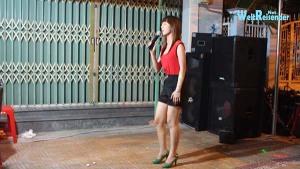 Vietnam: Straßen-Party in Bac Lieu mit Karaoke-Einlage