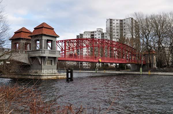 Brücke in Alt-Tegel. Foto: Beate Lemcke