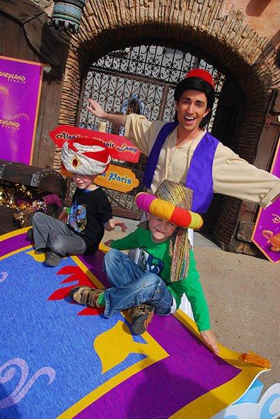 Aladin mit der Wunderlampe darf in Disneyland Paris natürlich nicht fehlen. Foto: Disneyland Paris