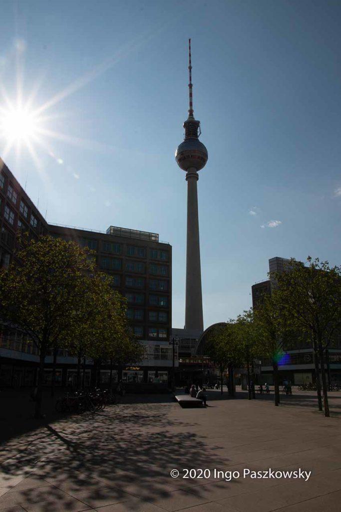 Berlin-Alexanderplatz am Ostersonntag 2020. / Foto: Ingo Paszkowsky