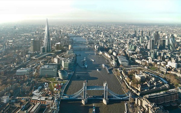 Tower Bridge und The Shard. Foto: The View from The Shard