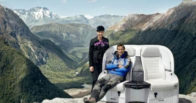 Neues Air New Zealand Sicherheitsvideo mit Bear Grylls in der Hauptrolle. Foto: Air New Zealand