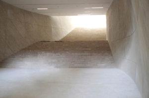 Das Museumsgebäude besitzt vier oberirdische sowie zwei Stockwerke unter der Erde. Foto: R. Grunt / Polnisches Fremdenverkehrsamt