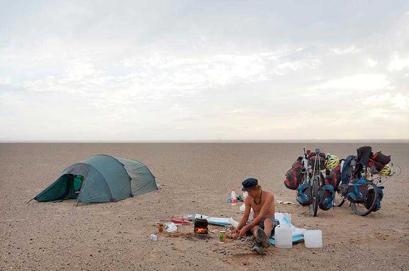 Wüstenlager in China. Bild: SWR/P. u. H. Hoepner