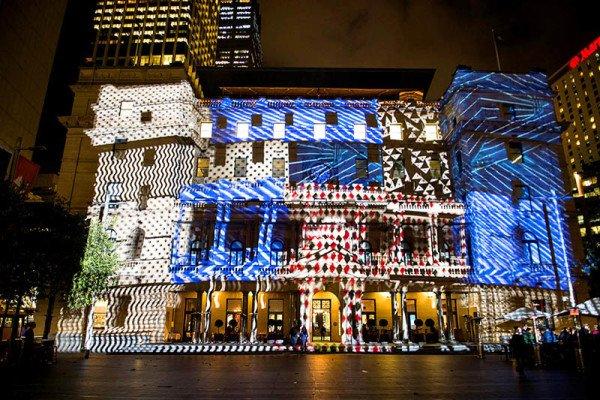 Move Your Building, Künstler: Danny Rose (Italien). Foto: Picture Daniel Chapman/Destination NSW/Vivid Sydney