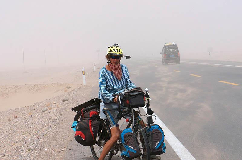 Sandsturm in China. Bild: SWR/P. u. H. Hoepner