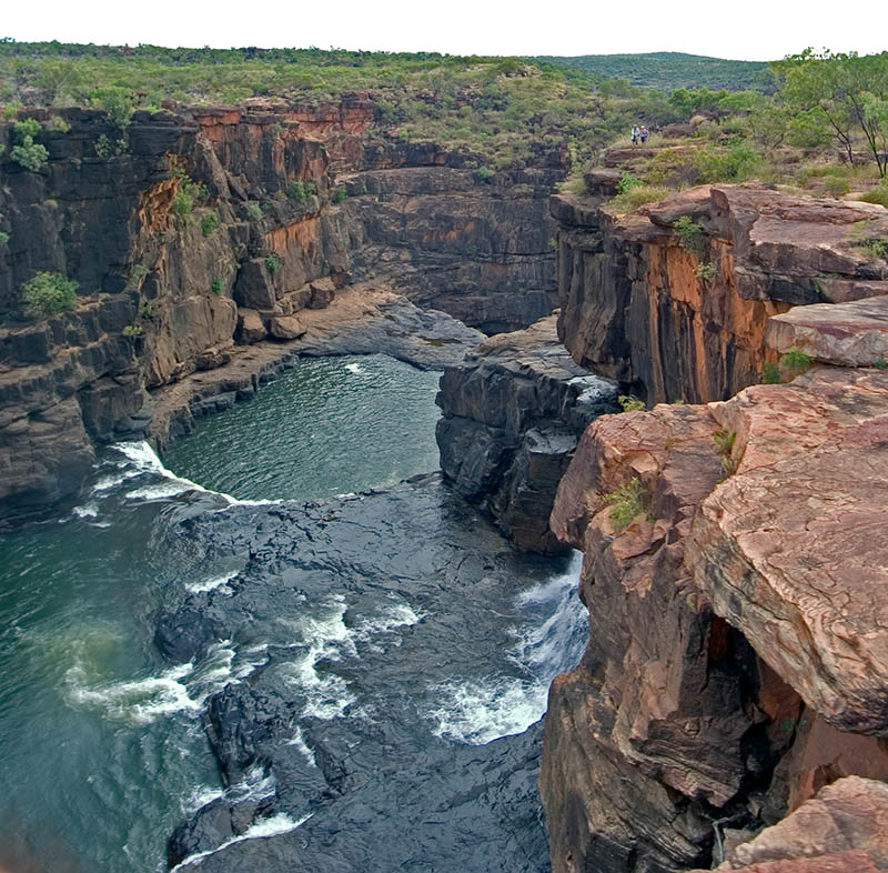 Die Mitchell Falls im Norden Westaustraliens: Schöne Aussichten beim Flug mit dem Helikopter vom Mitchell Camp zu den Mitchell Falls. Foto: Ingo Paszkowsky
