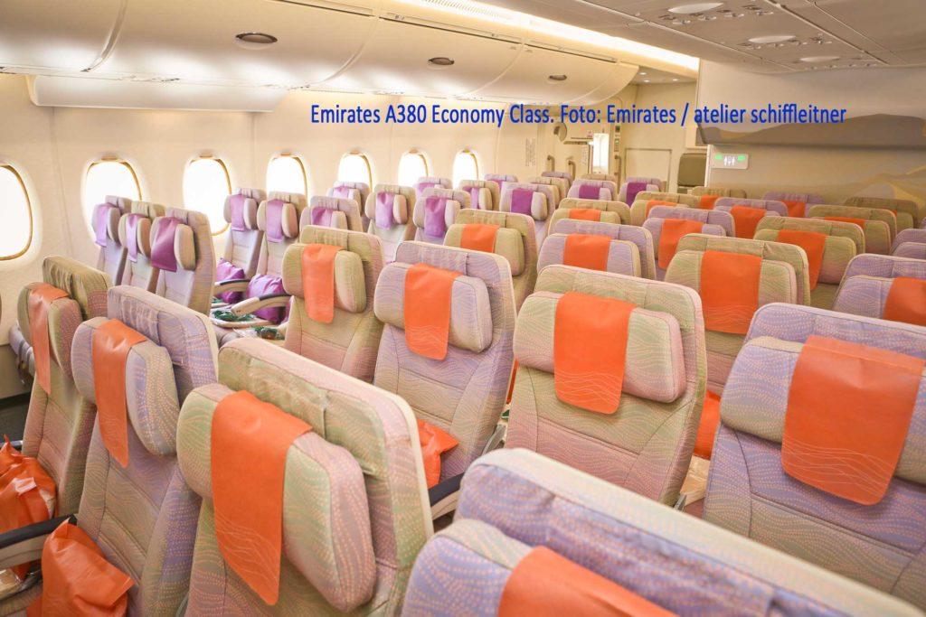 Emirates A380 Economy Class. Foto: Emirates / atelier schiffleitner