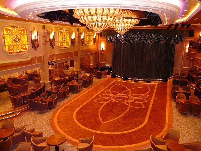 """Der Ballsaal """"Queens Room"""". Foto: Cunard"""