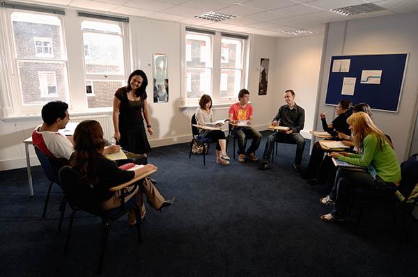 Der Unterricht fand jeden Tag am Vormittag statt, aber zusätzlich gab es häufig auch noch Hausaufgaben, welche die Studenten am Nachmittag erledigen mussten. Foto: ESL-Sprachreisen