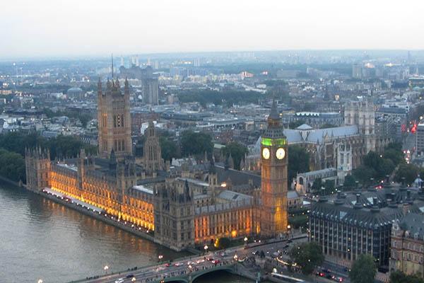 Am Anfang des Aufenthalts mussten sie erst einmal die wichtigsten Sehenswürdigkeiten besuchen: die Tower Bridge, den Palace of Westminster mit dem Big Ben, Buckingham Palace usw. Foto: ESL-Sprachreisen