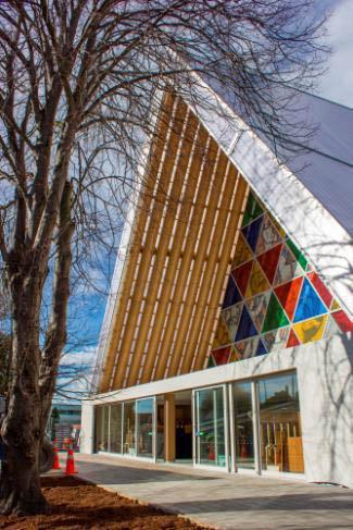 """Aus Pappe und dennoch erdbebensicher - die """"Übergangskathedrale"""" in Christchurch. Foto: Christchurch & Canterbury Tourism"""
