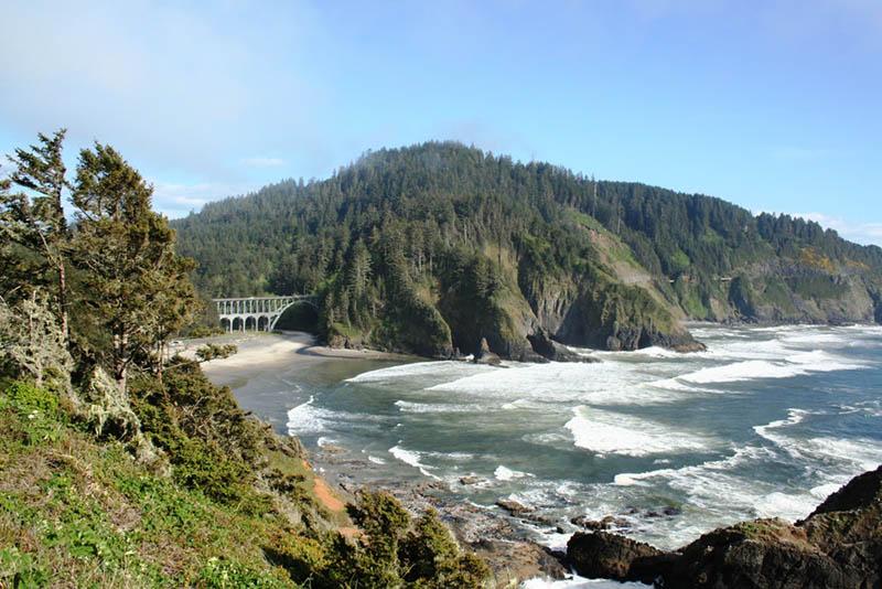 Elektrische Autos und große Ladestationen sind ein stetig wachsendes Netzwerk und in Oregon überall zu finden. Foto: Travel Oregon