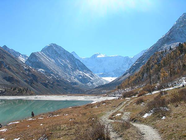 Der Akkem-See in der Republik Altai. Foto: Olympia Reisen Sibir