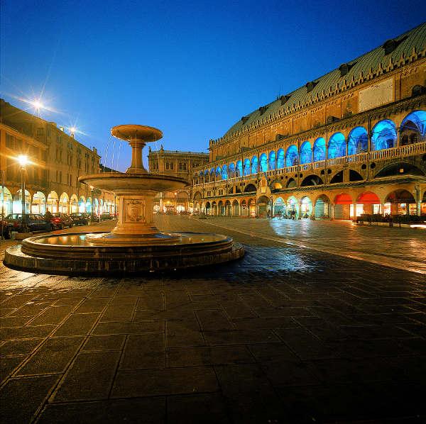 Palazzo della Ragione und der Piazza delle Erbe. © F.e M. Danesin