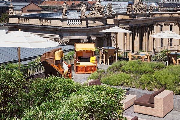 Blick auf Berlins historische Mitte von der Dachterrasse des Hotels de Rome. Foto: Patricia Thielemann