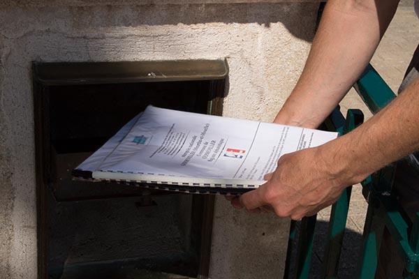 Gerbeviller. Alle Soldatenfriedhöfe verfügen über einartiges öffentliches Verzeichnis, der dort Bestatteten. Foto: Ingo Paszkowsky