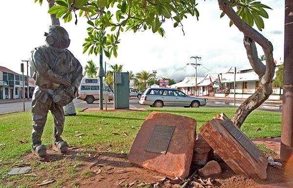 Broome ist die ehemalige Perlen-Hauptstadt der Südhalbkugel. Den vielen Perlentauchern, die bei diesem nicht ungeährlichen job ihr Leben ließen, setzte die Stadt ein Denkmal. Foto: Ingo Paszkowsky