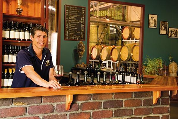 Im Granite Belt befinden sich mehr als 55 Weingüter: Ballandean Grove Estate. Foto: Tourism Queensland