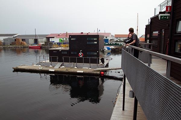 Schwimmendes Saunavergnügen in Klädesholmen, Schweden. Foto: Robyn Lee