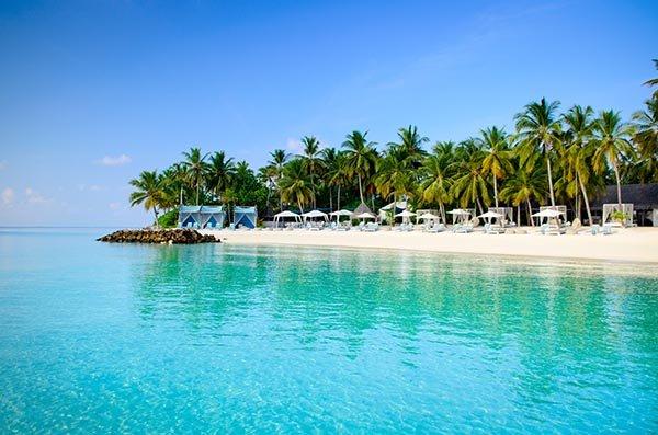 Strand von One&Only Reethi Rah auf den Malediven © One & Only Resorts