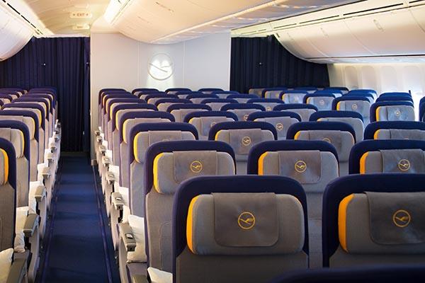 Economy Class in der Boeing 747-8. Foto: Lufthansa