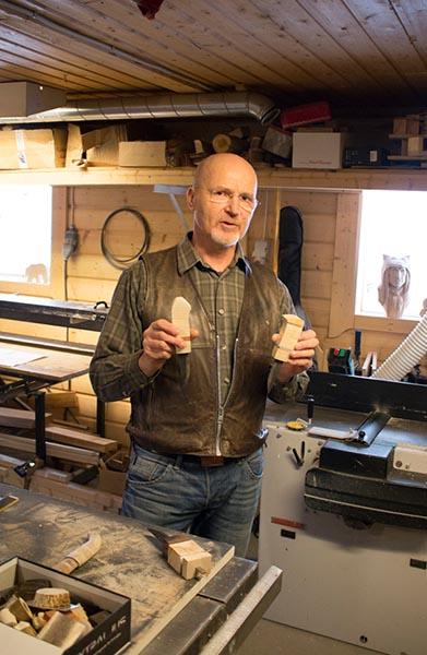 Mats Lindmarks Messer sind alles Unikate und sehr scharf. Foto: Ingo Paszkowsky