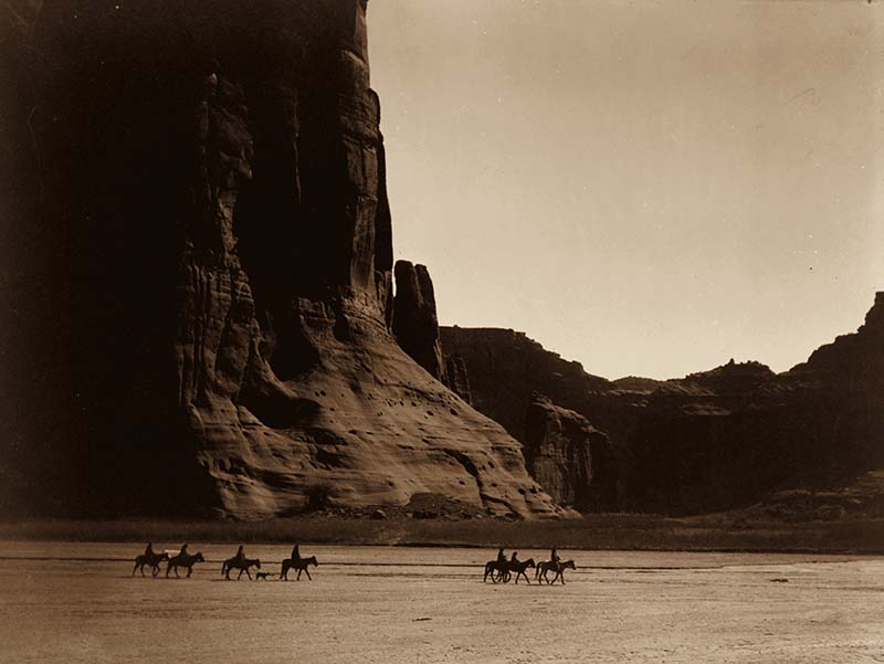 Canyon de Chelley, Arizona, 1904. Foto: Edward S. Curtis / Gemeinfrei