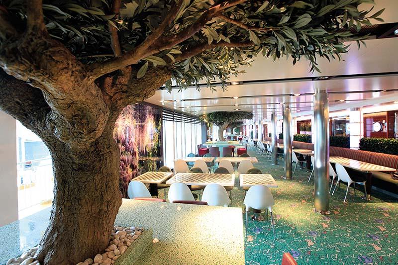 Oasis Garden Café. Foto: Fjord Line / Axel Soegaard