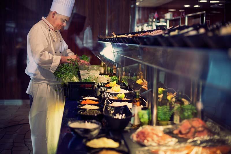 Für ausgezeichnetes Essen an Bord der Kreuzfahrtschiffe ist gesorgt. Foto: Fjord Line