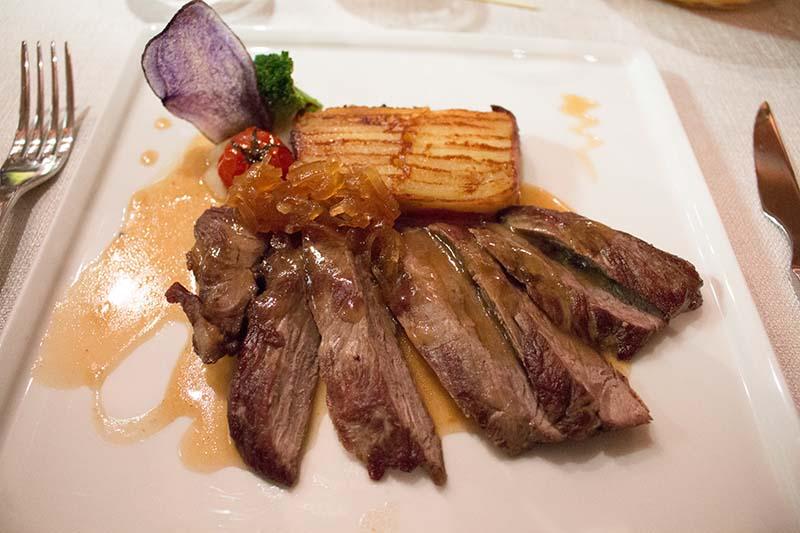 Kleine Kostprobe der französischen Küche. Foto: Ingo Paszkowsky