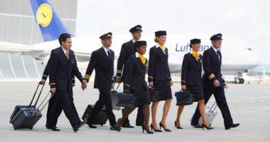 Lufthansa Flugbegleiter-Castings im Juli