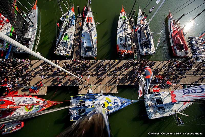 Start und Zieleinlauf der Regatta tragen Volksfestcharakter. PHOTO VINCENT CURUTCHET / DPPI / VENDEE GLOBE