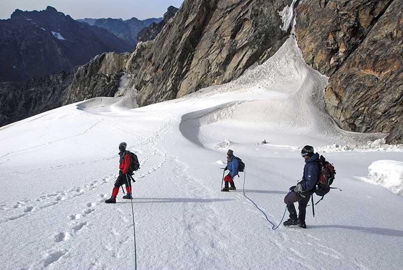"""Ambitionierte Bergwanderer kommen im Ruwenzori-Gebirge, auch unter dem Namen """"Mondberge"""" bekannt, auf ihre Kosten. Foto: Uganda Tourism Board"""
