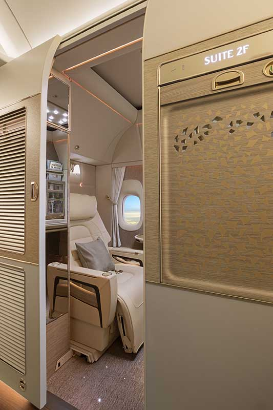 Neu First Class in der Emirates Boeing 777