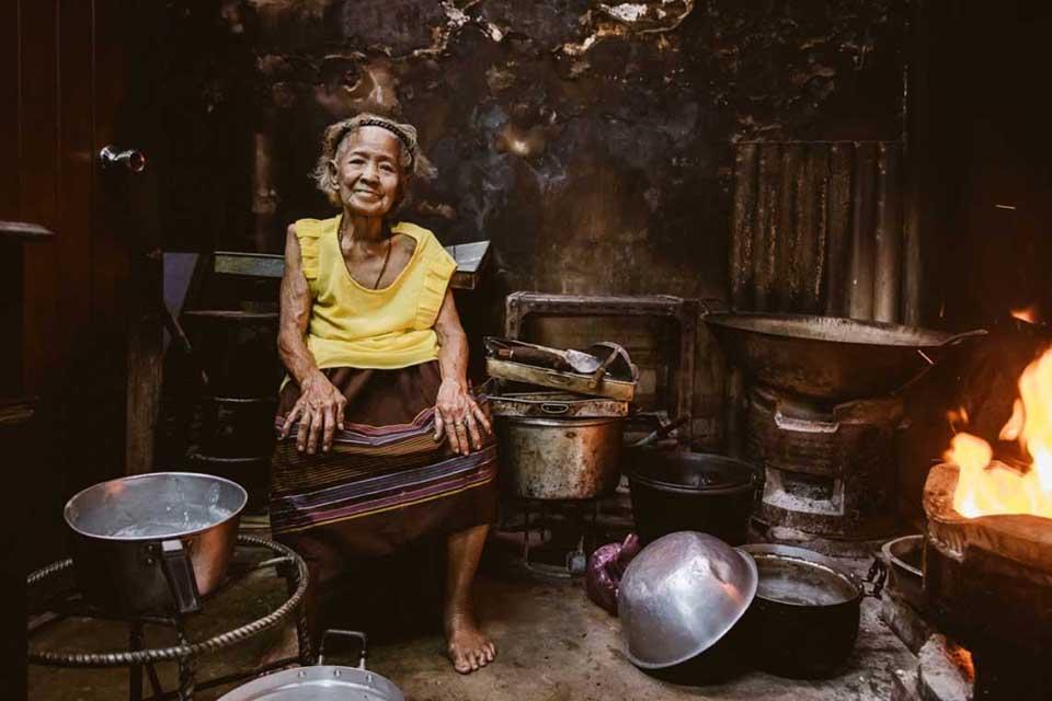 """Der Anbieter HiveSters bietet einen Thai Street Food-Kochkurs mit der """"Street Food Mama"""" im traditionsreichen Nang Loeng Viertel Bangkoks. Foto: HiveSters"""