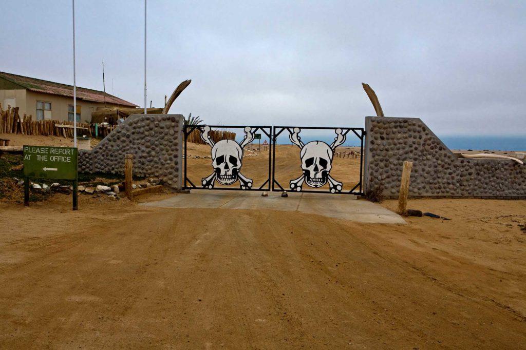 Der Skeleton Coast National Park in Namibia lässt sich am Besten mit einem 4WD-Camper erleben. Foto: Ingo Paszkowsky